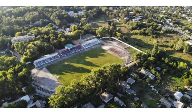 Complexul sportiv din Glodeni a fost reconstruit datorită înfrățirii cu județul Bistrița-Năsăud, România