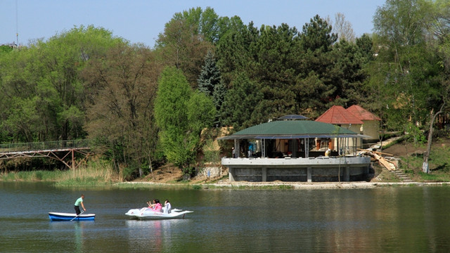 Începe testarea havuzului din Parcul Valea Trandafirilor