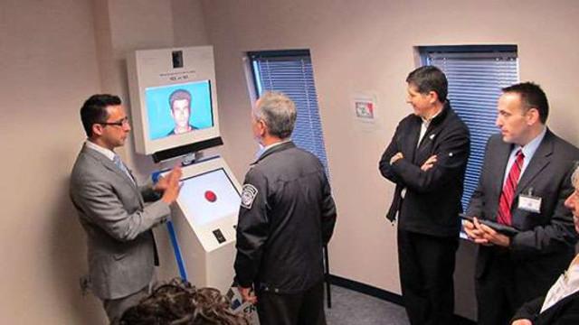 Avatar, un detector de minciuni cu inteligenţă artificială, va fi folosit pentru securitatea aeroporturilor