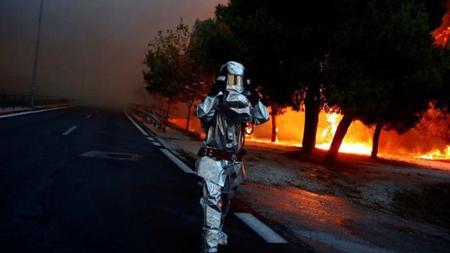 Avertizare de călătorie pentru români în Grecia: Risc ridicat de incendii de vegetație pentru duminică