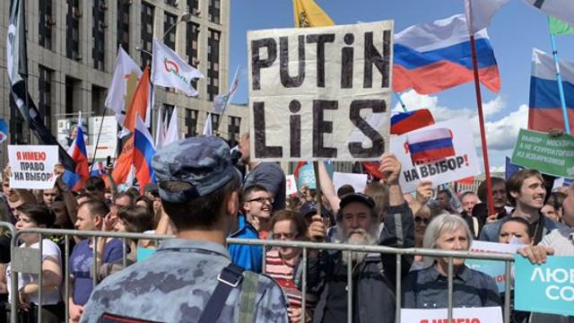 Rusia | O nouă manifestaţie cu zeci de mii de participanți la Moscova. Poliția a făcut noi arestări (FOTO/VIDEO)