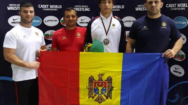 Luptătorii din Rep. Moldova au cucerit două medalii la campionatele mondiale printre cadeți