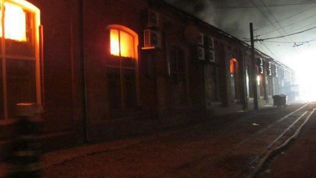 Incendiu de proporții într-un hotel din Odesa: Cel puţin opt morţi şi 10 răniţi