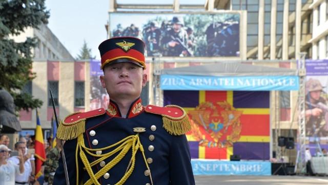 VIDEO | Expoziții de armament și tehnică militară, fotografii și drapele istorice vor fi expuse pe 1 septembrie, de Ziua Armatei Naționale