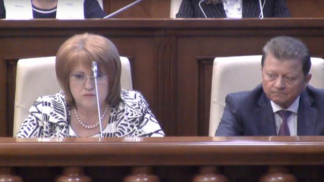 ZdG: Domnica Manole cere revizuirea hotărârii prin care Țurcan a fost ales președinte al CC (Revista presei)