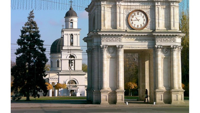 Mitropolia Moldovei a solicitat includerea Arcului de Triumf în lista monumentelor ocrotite de stat