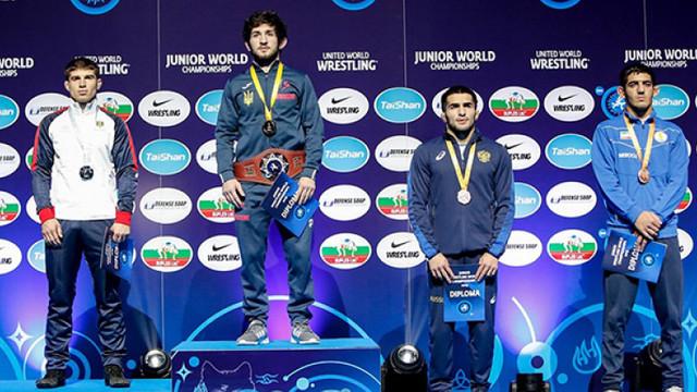 Luptătorul Vasile Diacon a devenit vicecampion mondial printre tineret