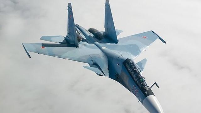 Exerciții cu muniție reală în Marea Neagră: Mai multe avioane ruse de tip Suhoi Su-30SM au simulat atacarea navelor inamice