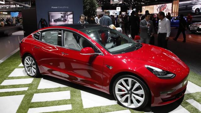 Tesla începe livrările în România. Cât costă Tesla Model 3, Model S și Model X pe piața locală