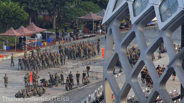 Trupe chineze la frontiera cu Hong Kong. Donald Trump se implică