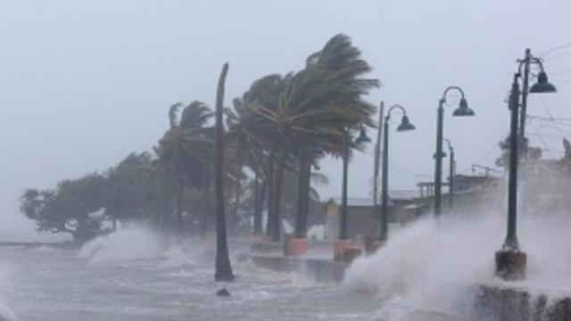 Uraganul Dorian crește în intensitate. Călătorii sunt atenționați în privința călătoriilor