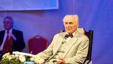 """Întâlnire de suflet la Biblioteca Județeană """"G.T. Kirilean"""" Neamț cu marele compozitor Eugen Doga"""