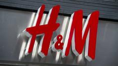 Gigantul grup H&M schimbă strategia şi va testa vânzarea de produse aparținând unor alte branduri