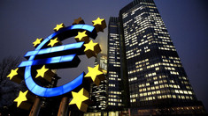Băncile europene lichidează aproape 45 000 de locuri de muncă