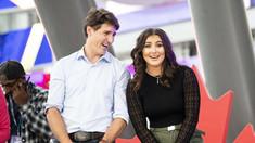 FOTO | Premierul Canadei, Justin Trudeau, criticat pentru că a îmbrăţişat-o pe românca Bianca Andreescu