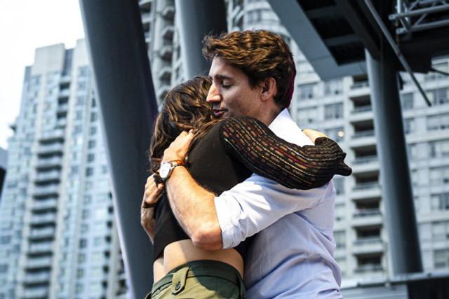 FOTO | Premierul Canadei, Justin Trudeau, criticat pentru că a îmbrățișat-o pe românca Bianca Andreescu