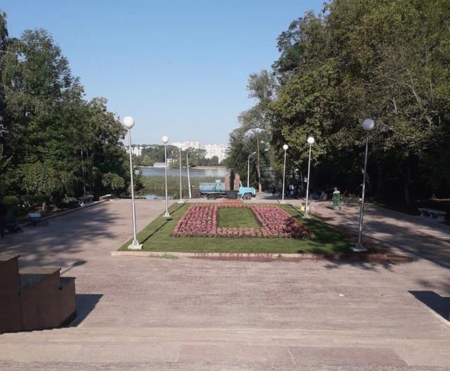 """Cele 232 de trepte sunt gata. Primăria Chișinău invită la inaugurarea scărilor de granit din Parcul """"Valea Morilor"""