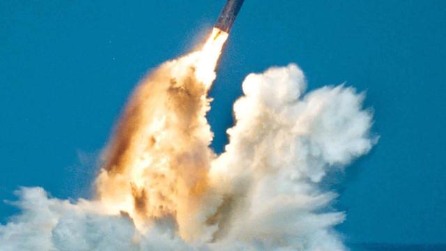 Imagini din satelit sunt probe ale americanilor, că regimul de la Phenian construieşte submarine ce pot lansa rachete balistice
