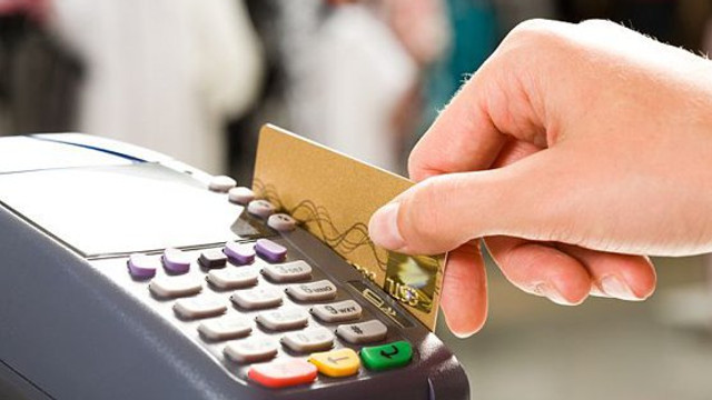 Noi reglementări pentru plata cu carduri bancare românești au intrat în vigoare. Ce trebuie să știe deținătorii