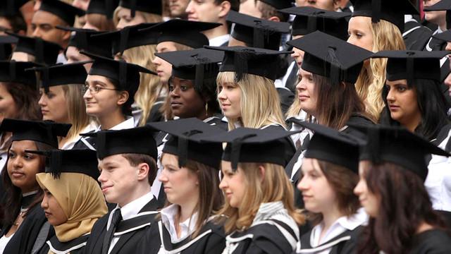 Studenţii străini vor putea lucra după absolvire în Marea Britanie