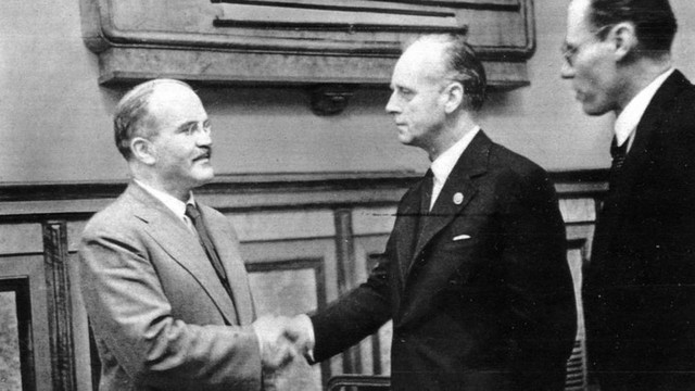 O expoziţie dedicată Pactului Ribbentrop-Molotov, vernisată de PL. Dorin Chirtoacă insistă ca Rusia să ceară iertare pentru al II-lea Război Mondial (VIDEO)