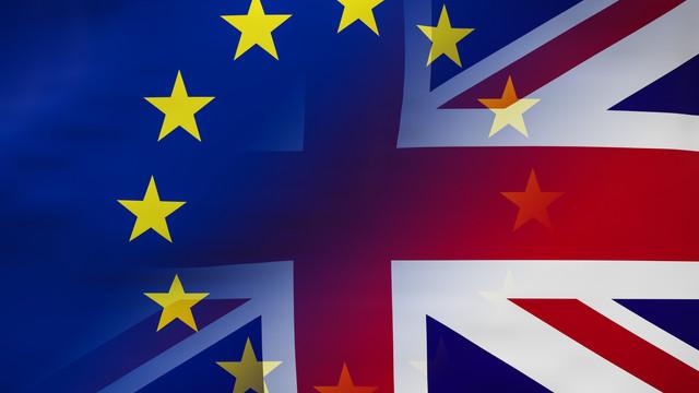 O ieşire nereglementată a Marii Britanii din UE ar putea genera pierderi de milioane de locuri de muncă şi miliarde de euro în industria auto