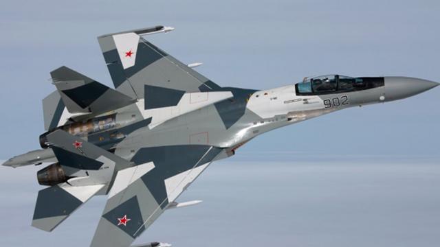 Momente tensionate deasupra Mării Negre: Un avion rus de vânătoare a urmărit un bombardier american