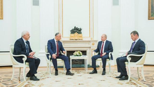 """Putin, încântat că """" situaţia din Republica Moldova s-a stabilizat"""", după întâlnirea cu Dodon"""