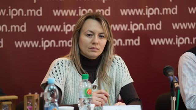 """Iuliana Cantaragiu: """"Apele uzate se deversează în râul Bâc în continuare. Toate guvernările anterioare au permis ca agenții economici să nu construiască instalații de ape pre-uzate"""""""
