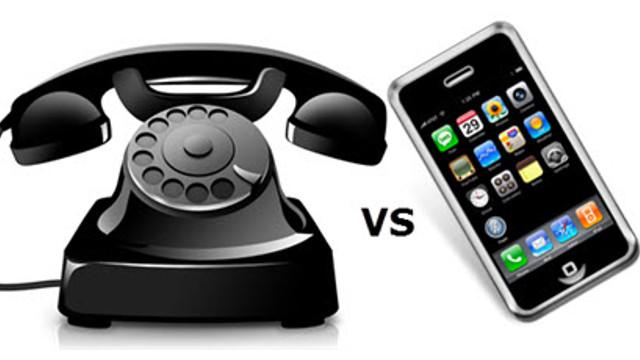 Scad veniturile din vânzarea telefoniei, cresc cele din vânzarea de internet mobil