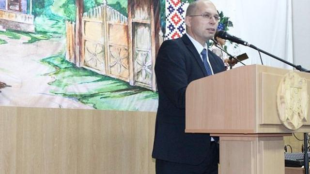 Candidatul PDM de la Nisporeni, unicul înregistrat deocamdată pentru alegerile parlamentare noi. Ce avere declară acesta ( TV8)