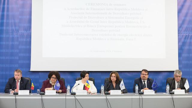 O sută de milioane de euro oferite de UE și BERD pentru interconectarea energetică dintre R.Moldova și România. Trei acorduri au fost semnate astăzi la Chișinău