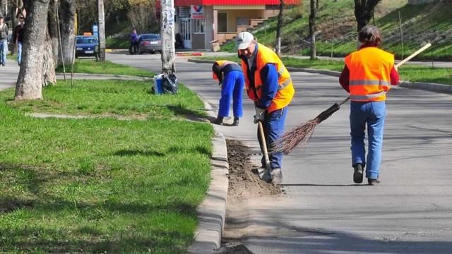 Agenții economici din Capitală sunt atenționați să mențină curățenia teritoriilor pe care activează