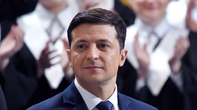 Parlamentul de la Kiev a adoptat o lege privind procedura demiterii șefului statului, inițiată chiar de președintele Zelenski