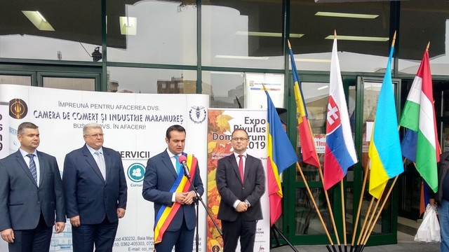 """FOTO   Expoziția """"Republica Moldova Prezintă"""", organizată în premieră la Baia Mare, România"""