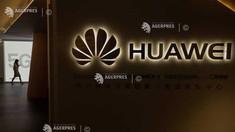 Huawei a lansat în China un telefon cu ecran pliabil la un preţ de 2.400 de dolari