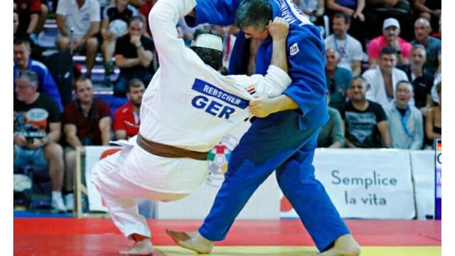 Doi judocani moldoveni au devenit campioni mondiali de veterani