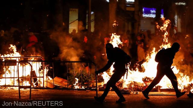 Spania: Susţinători ai independenţei Cataloniei au continuat joi noaptea protestele violente