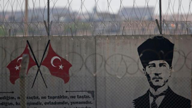Un militar turc a murit în urma bombardamentelor forţelor guvernamentale siriene. Erdogan: regimul a plătit un preţ mare