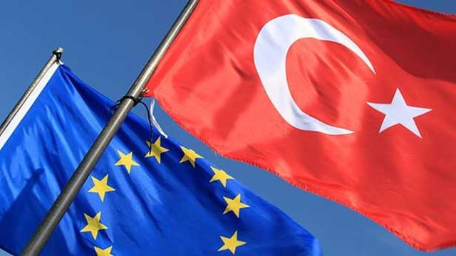 Ţările UE, primele măsuri împotriva Turciei: Italia opreşte exporturile de armament şi cere oprirea ofensivei militare din nordul Siriei