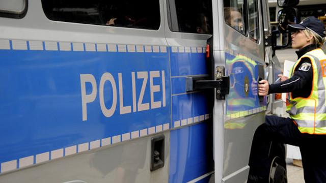Un individ aflat la volanul unui camion furat a lovit mai multe mașini în Germania, rănind 16 persoane/ Poliția nu exclude varianta unui atentat