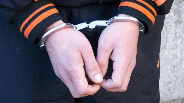 Un grup criminal organizat care acționa cu deosebită cruzime și jefuiau persoane în etate – trimis după gratii de procurori