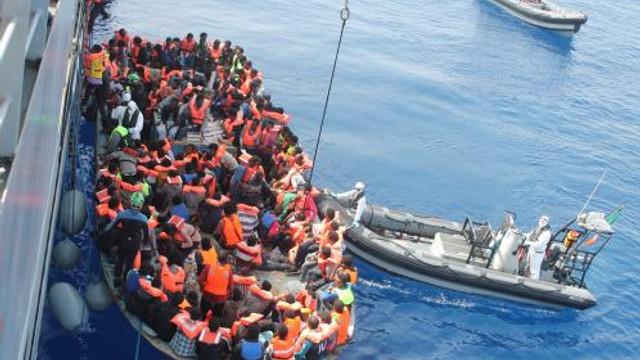 O ambarcațiune care transporta migranți s-a răsturnat în apropierea insulei italiene Lampedusa