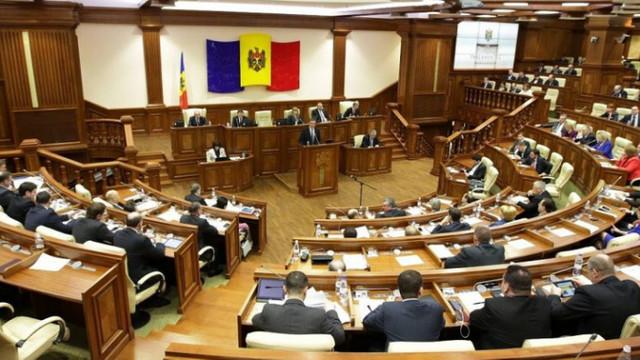 Parlamentul se întrunește în ședință. Ce urmează să examineze