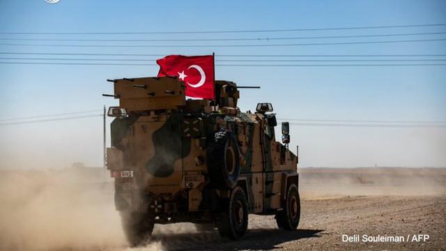 Forțele militare ale Statelor Unite au început retragerea de la granița Turciei cu Siria, pentru a lăsa loc unei alte intervenții militare