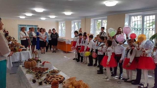 FOTO | Cum arată o cantină școlară din Chișinău, renovată recent cu peste jumătate de milion de lei
