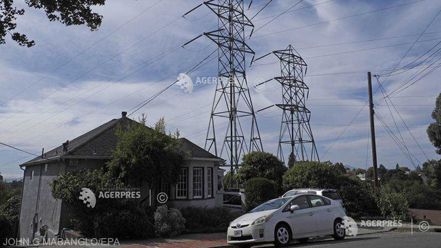 Risc de incendii în California - sute de mii de locuințe, private de electricitate