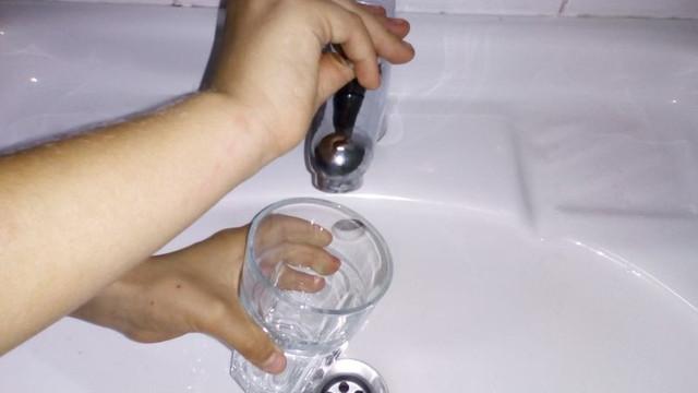 Mai mulți consumatori din municipiul Chișinău vor rămâne miercuri fără apă la robinet