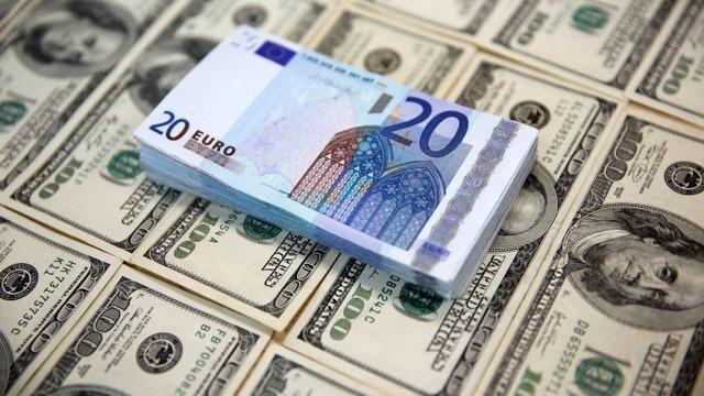 Dolarul se va ieftini, iar euro se va scumpi la începutul săptămânii viitoare