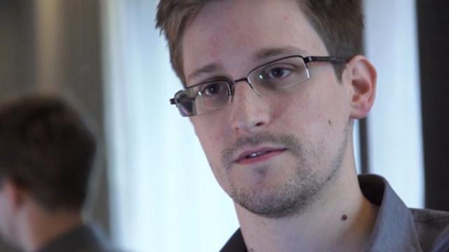 Edward Snowden, dezvăluiri despre viaţa în exil: Fostul colaborator CIA susţine că se opune politicilor Moscovei şi este